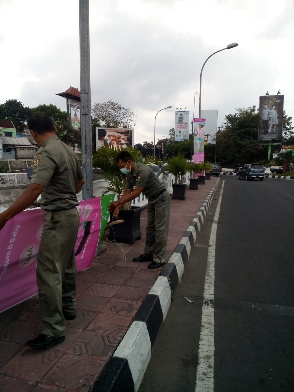 Kegiatan monitoring dan operasi dari Seksi Trantib dan BKO Kecamatan Jetis